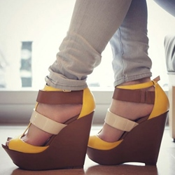 Shoespie Wide Strappy Wedge Sandals