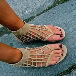 Shoespie Cage Thong Flat Sandals