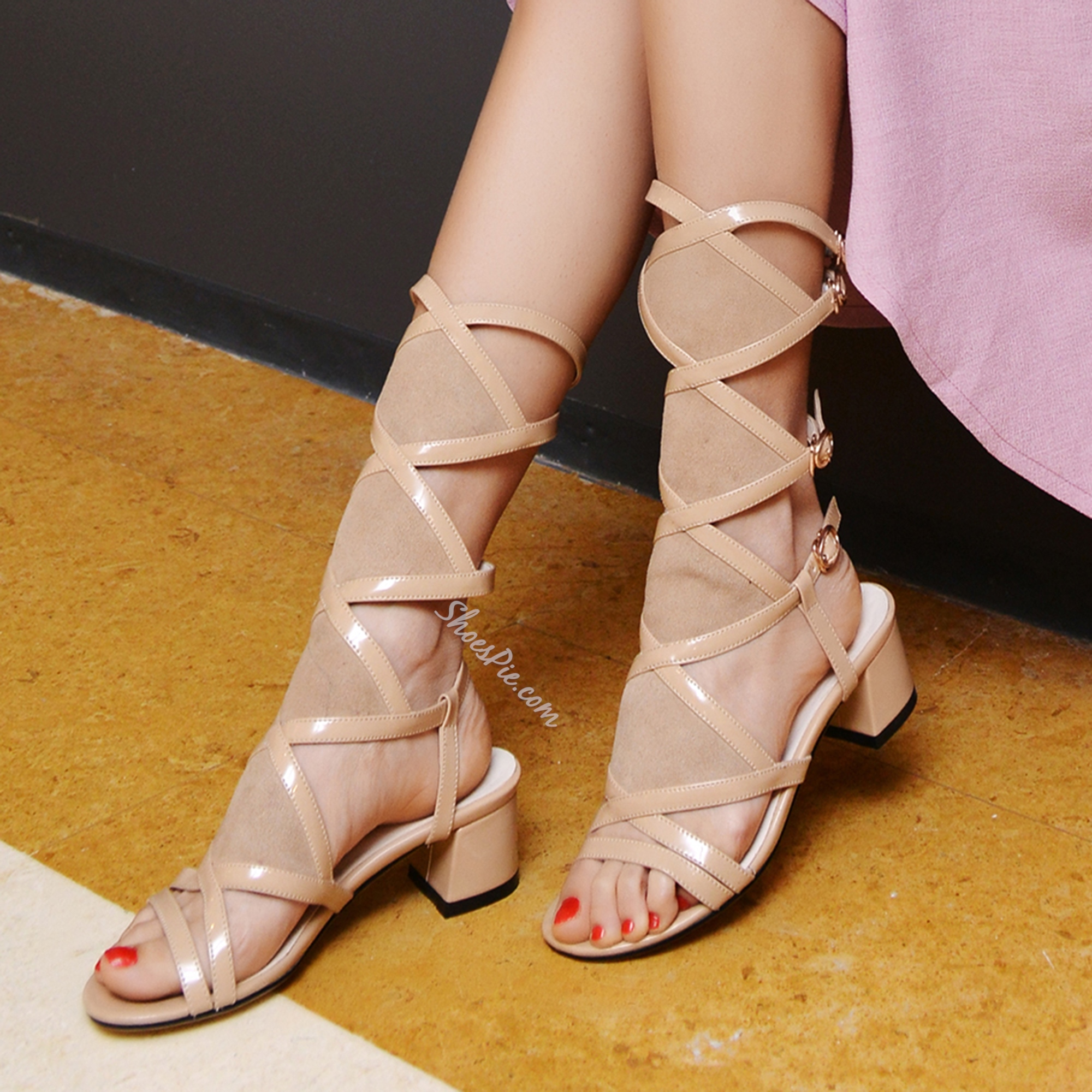 Shoespie Chunky Heel Gladiator Sandals