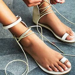 Shoespie White Clip Toe Lace Up Flat Sandals