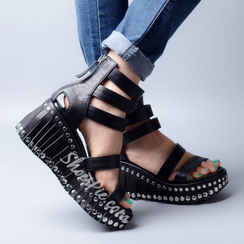 Shoespie Black Rivets and Fringes Wedge Sandals