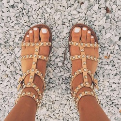 Shoespie Apricot Rivets Thong Flat Sandals