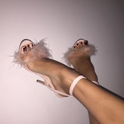Shoespie Feather Decorated Dress Sandals