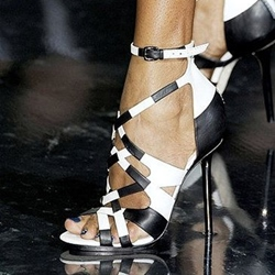 Shoespie Black and White Cross Strappy Sandals
