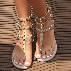 Shoespie Rivets Thong Flat Sandals
