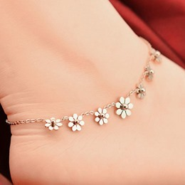 Shoespie Golden Sunflower Embellished Anklet(single)