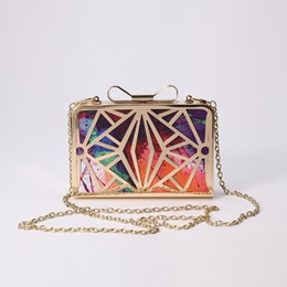 Shoespie Geometrical Pattern Hollow Clutch