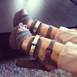 Shoespie Gray Buckles Platform Sandals
