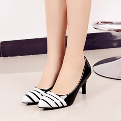 Shoespie Black & White Two Tone Kitten Heels