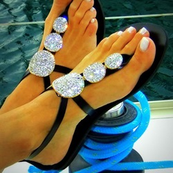 Shoespie Black Round Rhinestones Flat Sandals