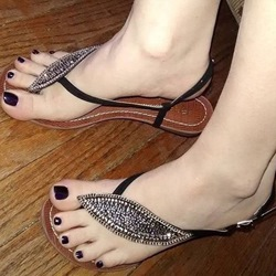 Shoespie Leaves Shape Flat Sandals