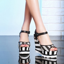 Shoespie Lug Black and White Stripes Wedge Sandals