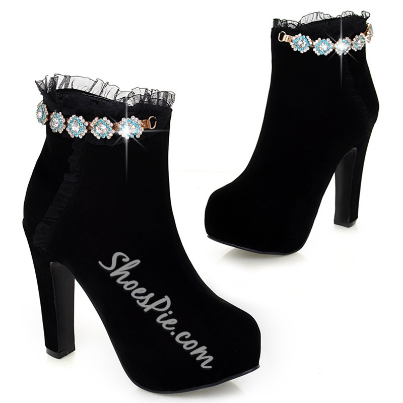 Shoespie Chic Flower Appliqued Ankle Boots