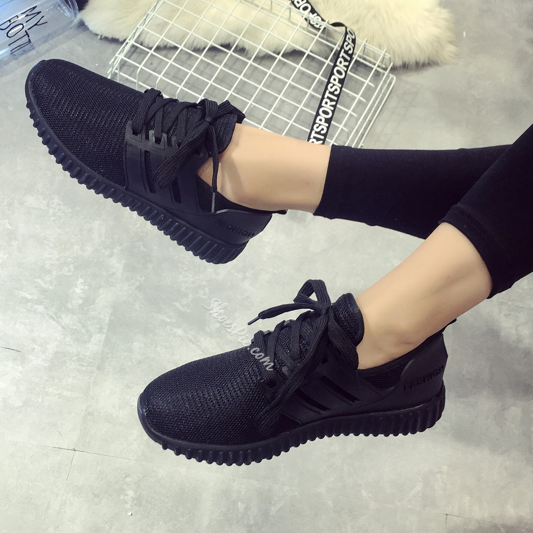 Shoespie Street Savvy Breathable Solid Color Sneakers