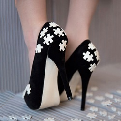 Shoespie Elegant Soft Leather Jigsaw Embellished Platform Heels