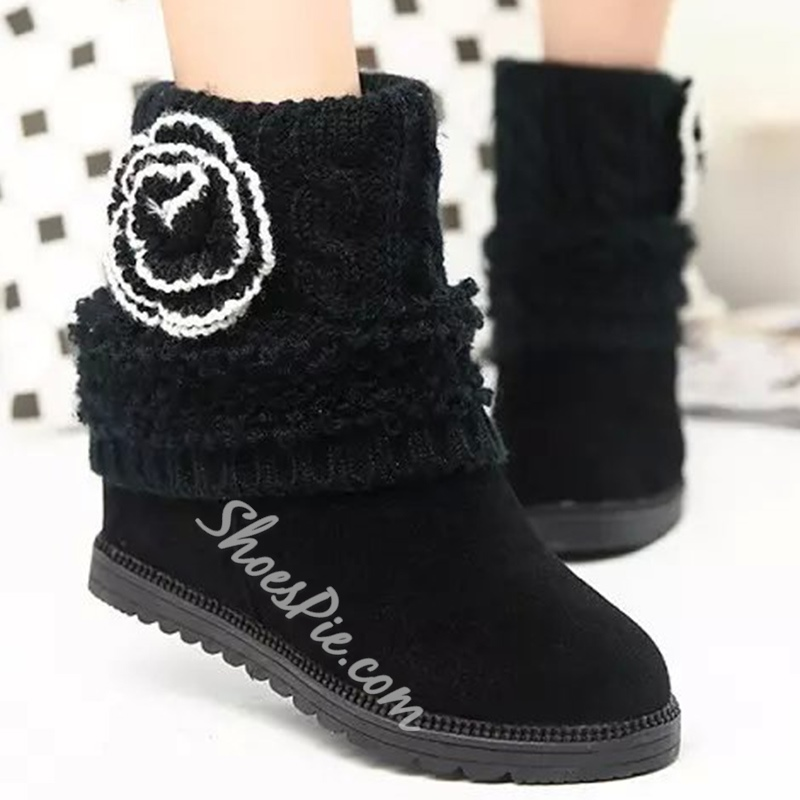 Shoespie Round Toe Woolen Flower Embellished Flat Boots