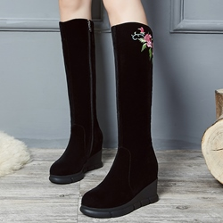 Shoespie Black Nubuck Floral Embroidered Wedge Boots
