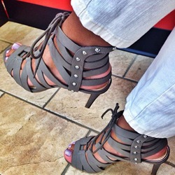 Shoespei Gray Suede Sandals