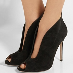 Shoespie Black Deep V Stiletto Heels