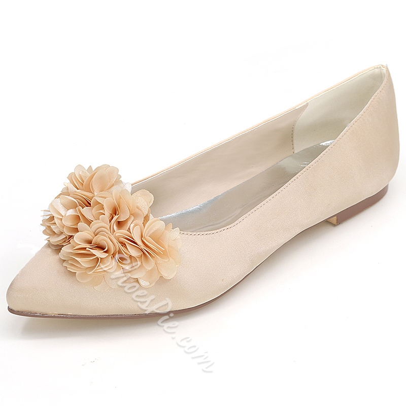 Shoespie Floral Appliqued Flat Bridal Shoes