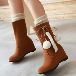 Shoespie Round Toe Pompom Accented Wedge Booties