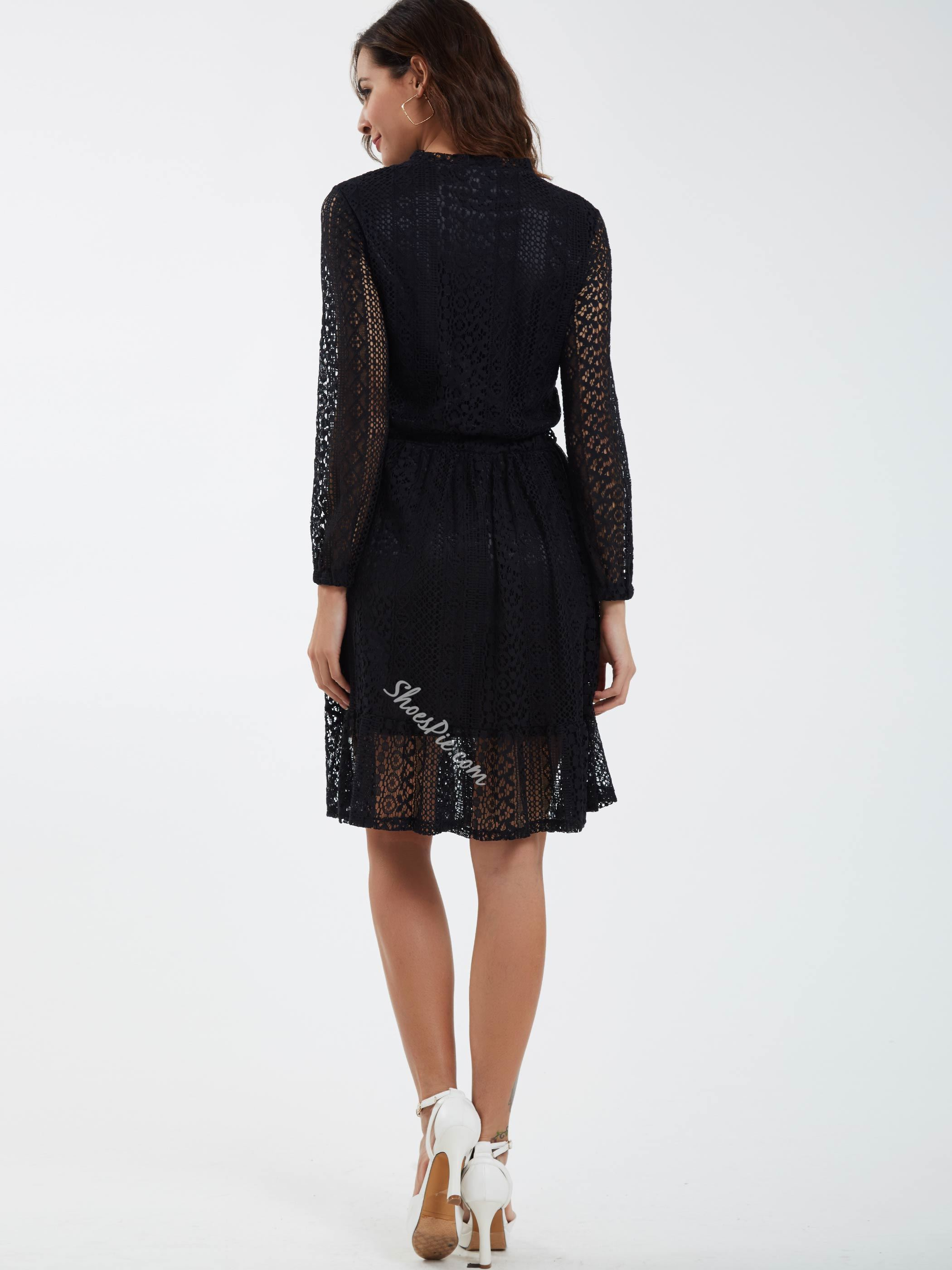 Round Neck Single-Breasted Lace Dress