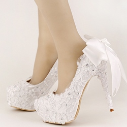 Shoespie White Flower Appliqued Bridal Shoes