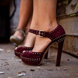 Shoespie Burgundy RIvets Peep Toe Platform Sandals