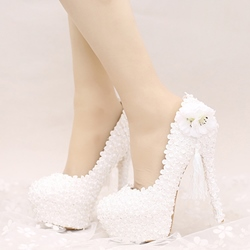 Shoespie Dreaming Flower Appliqued Bridal Shoes