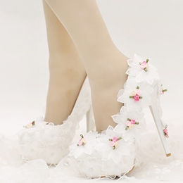 Shoespie Dreaming Floral Appliqued Bridal Shoes