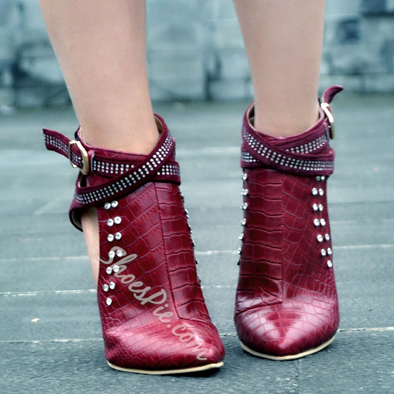 Shoespie Chic Red Rivets Buckle Fashion Booties