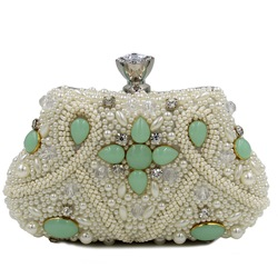 Shoespie Chic Jewelled Appliqued Clutch Bag