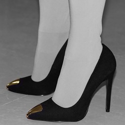 Shoespie Chic Black Cap Toe Court Stiletto Heels