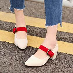 Shoespie Vintage Giant Buckle Chunky Heel Pumps