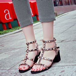 Shoespie Rivets Block Heel Sandals
