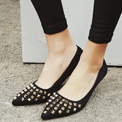 Shoespie Chic Rivets Kitten Heel Pumps