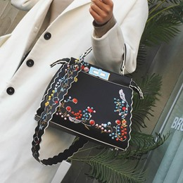 Shoespie Vintage Floral Embroidered Convertible Tote