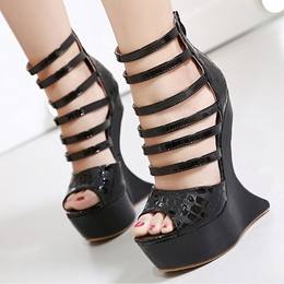 Shoespie Strappy Shaped Heel Sandals