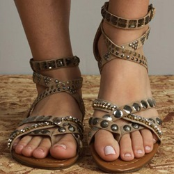 Shoespie Round Rivets Roman Flat Sandals