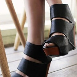 Shoespie Trendy Black Cutout Platform Wedge Sandals