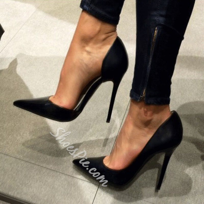 Graceful Women Wearing Pointed-toe Heels