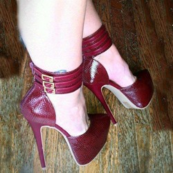 Fantastic Cross Strap Contrast Color Stiletto Heel Sandals