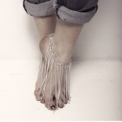 Shoespie Stylish Tassels Chain Anklet
