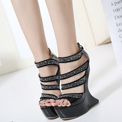 Shoespie Back Zipped Strappy Strange Heel Sandals