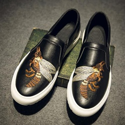 Shoespie Embroidery Bees Men's Flip On Sneakers