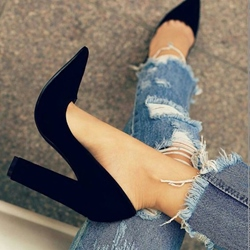 Shoespie Solid Black Chunky Heel Pump