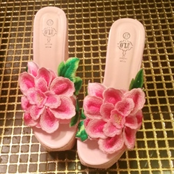 Shoespie Bohemian Flora Appliques Wedge Slippers