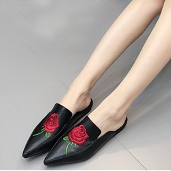 Shoespie Trendy Black Floral Embroidered Flats
