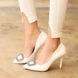 Shoespie Chic Rectangular Embelolished Court Shoes
