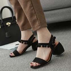 Shoespie Black Pompom Decorated Block Heel Sandals